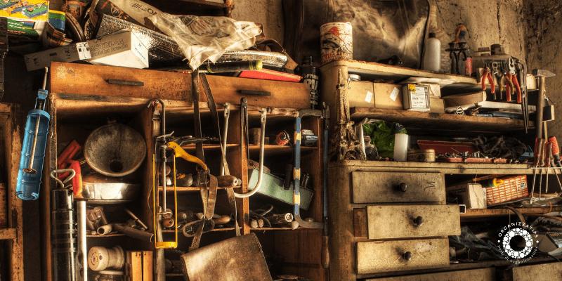 Decluttering in garage: fai spazio al presente!